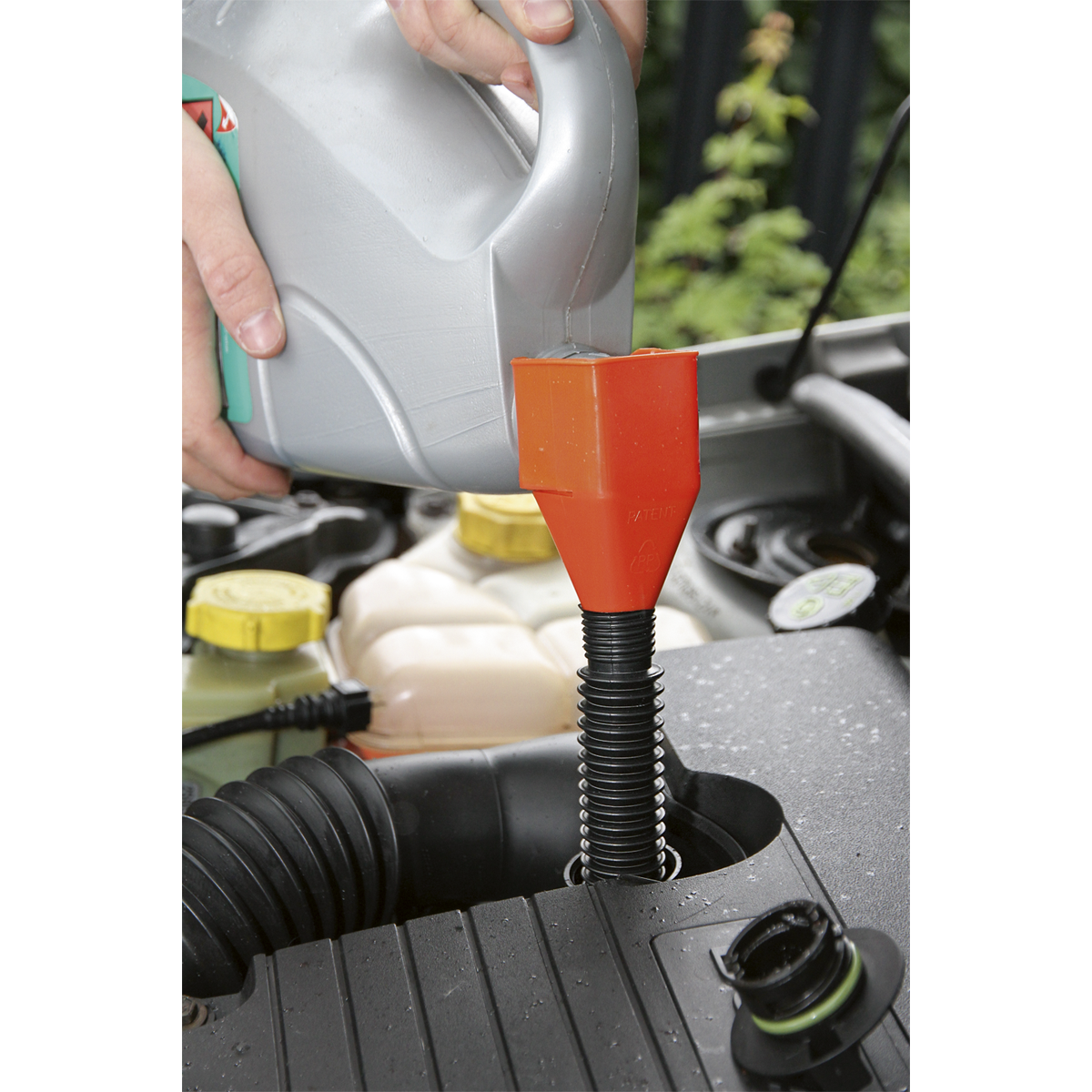 Clip-On Funnel with Spout