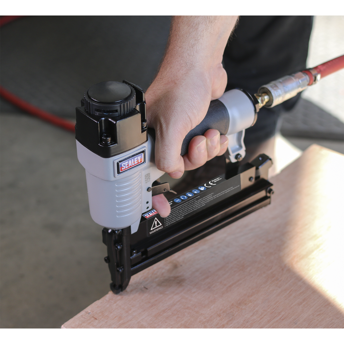 Air Nail/Staple Gun 10-50mm/10-40mm Capacity